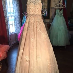 Ivory pageant prom dress new.